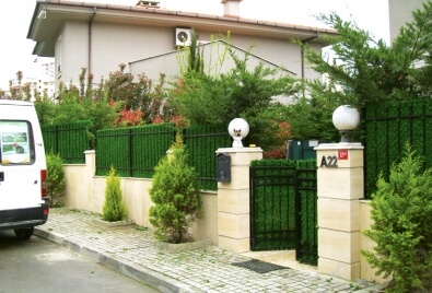 Grass Fence Garden Wall Application